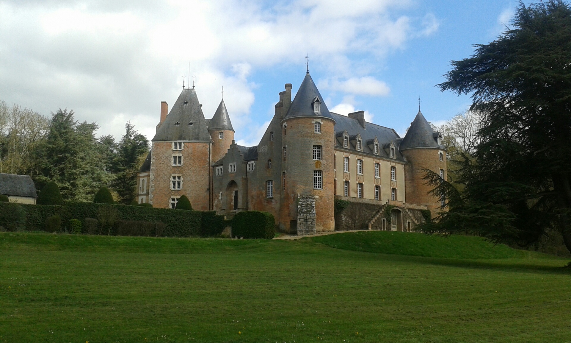 Sale Castles And Manorhouses In France Cabinet